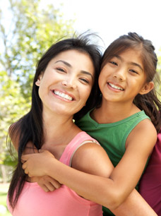 Image of mother and daughter - Residence Rules for Green Card Holders - Serbinski Accounting Firms